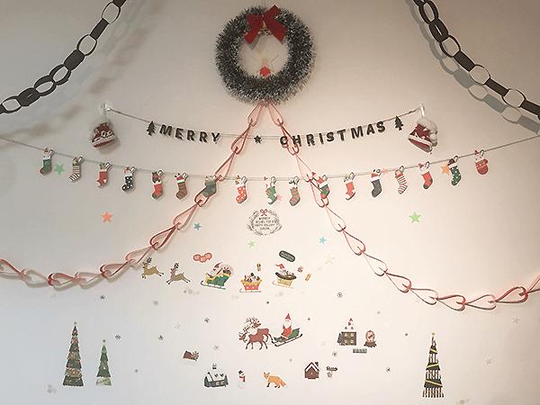 北九州市にあるコンパス小倉のクリスマスディスプレイ