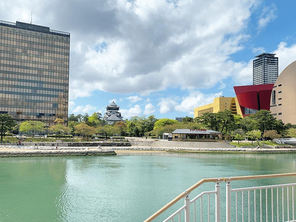 北九州市小倉北区にある市役所、小倉城、リバーウォーク、紫川の画像